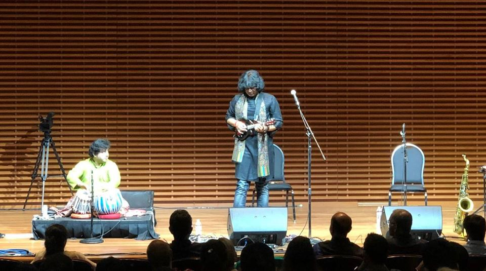 u-rajesh-mandolin-at-california-stanford-university-heart-to-heart-foundation-concert
