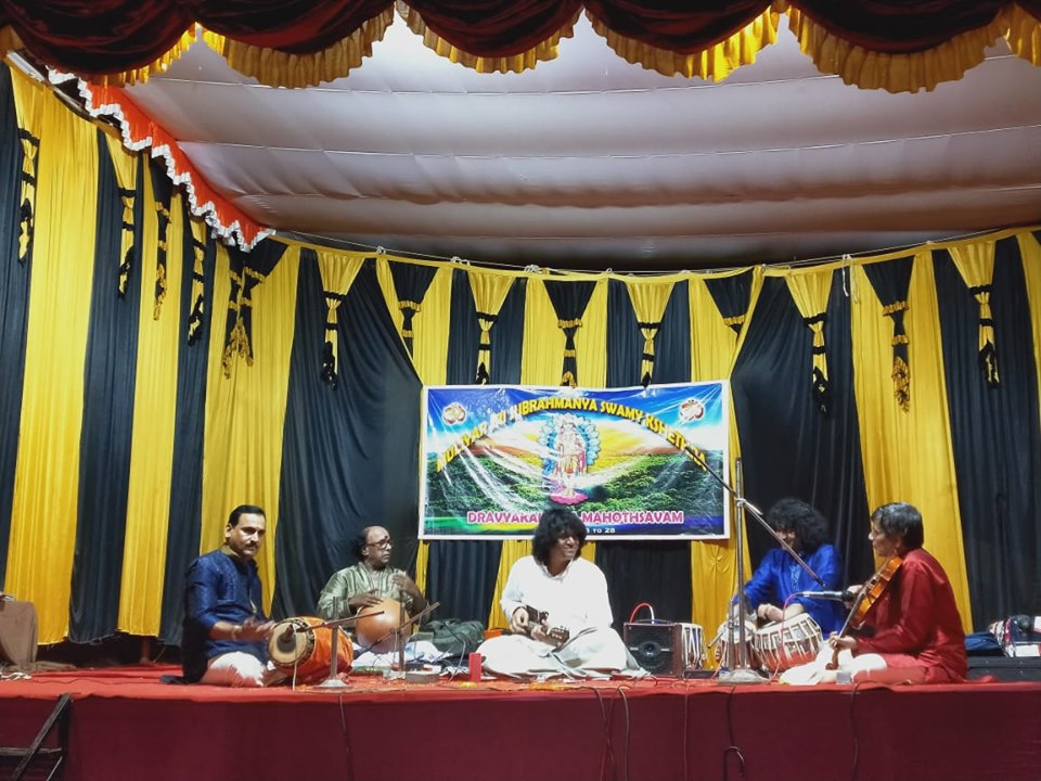 mandolin-u-rajesh-at-special-carnatic-music-concert-on-kasaragod