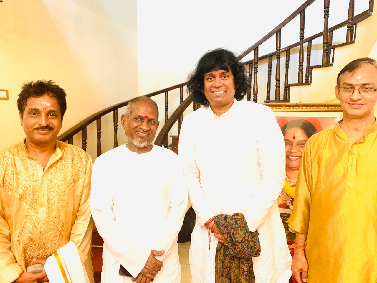 mandolin-u-rajesh-along-with-ilayaraja-sir-at-navaratri-concert