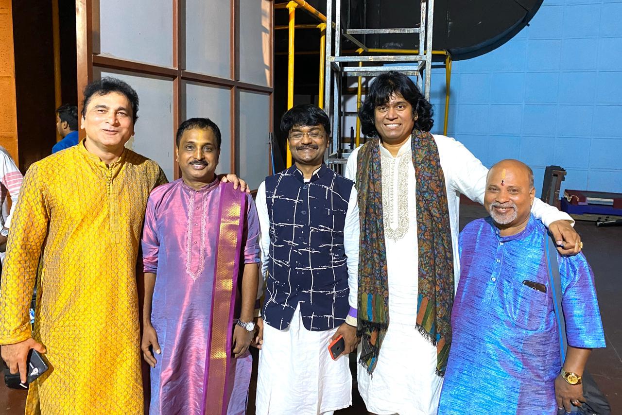 mandolin-u-rajesh-at-smruthi-banglore-concert